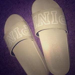 light grey Victoria Secret slides💗